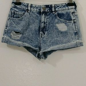 Kendall & Kile. Denim shorts